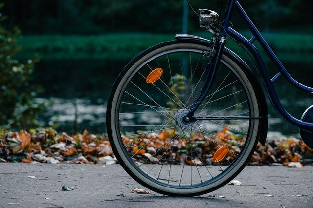 Sicher auf dem Fahrrad im Herbst und Winter