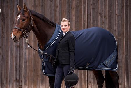 Reiten lernen als Erwachsener - ohne große Verletzungsgefahr aufs Pferd